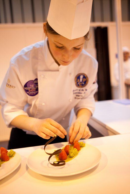 Marte Krystad imponerte med en fin fjerdeplass i konkurransen Scandinavian Chocolate Masters i fjor vår.