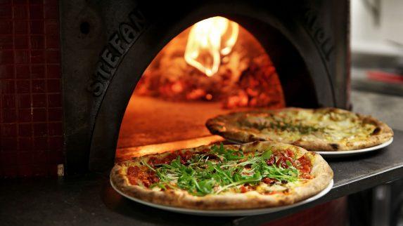 Lofthus Samvirkelag åpner sin femte pizzarestaurant