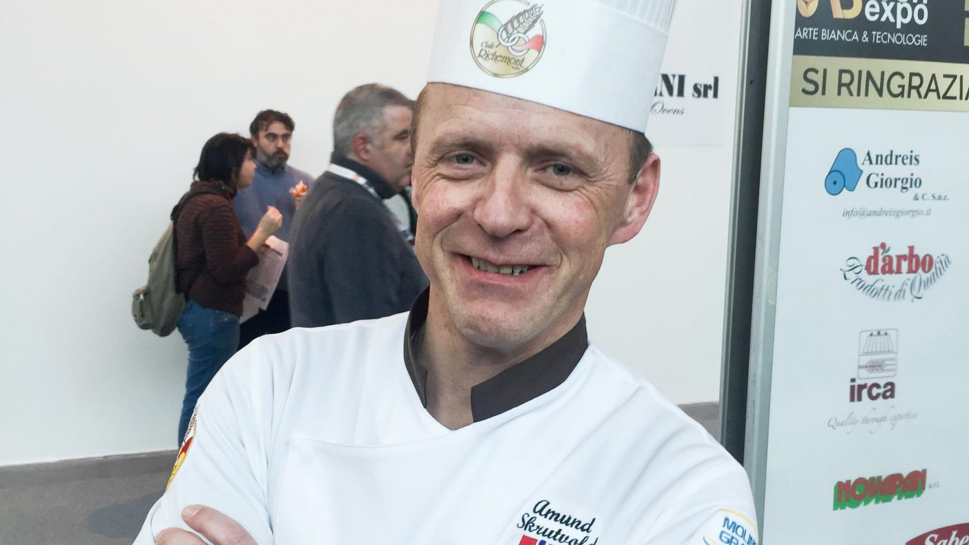 Amund Skrutvold er en del av jurypanelet under Sigep International Bakery Contest.