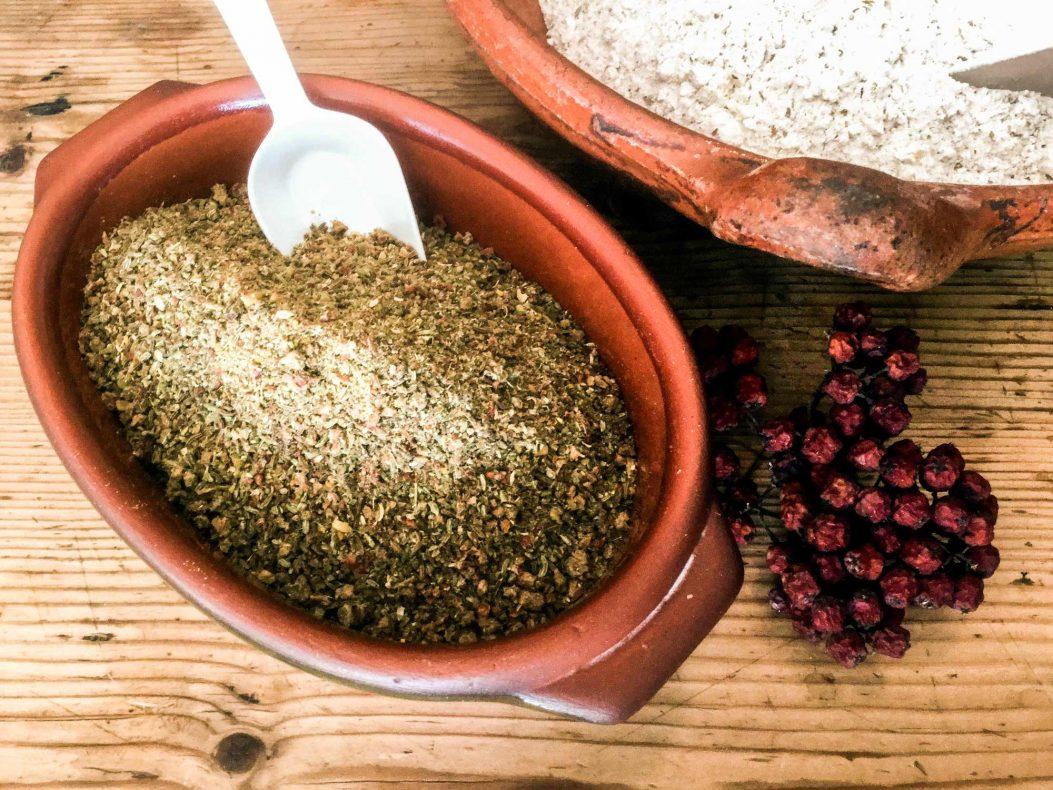 Rognebærene, kvannen og de tradisjonelle krydderblandingene har dødd ut som brødkrydder i Norge, men nå kan de få sin renessanse.