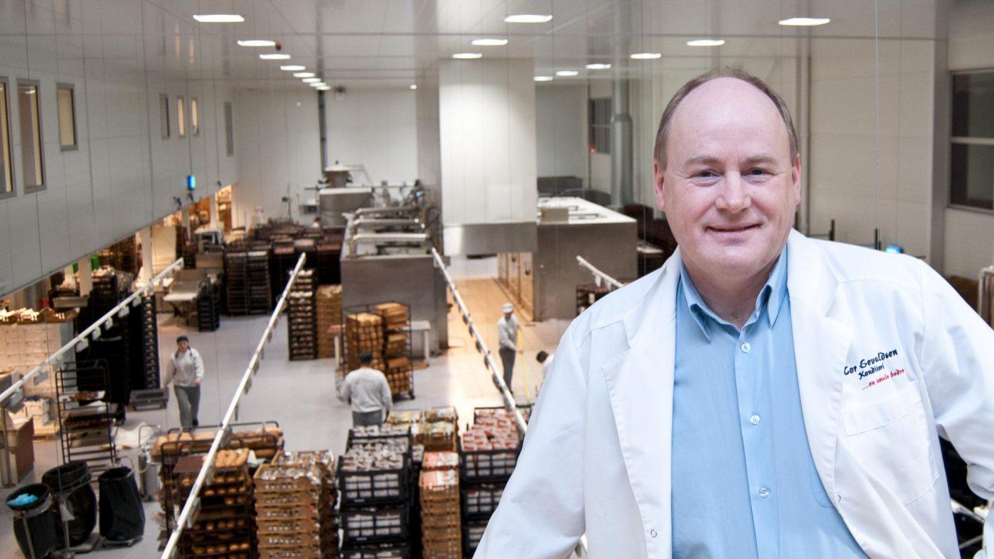 Bakeriet i Kristiansund vil ha betydelig ledig kapasitet fra nyttår. Tor Jan Sevaldsen håper å fylle opp kapasiteten etter hvert.