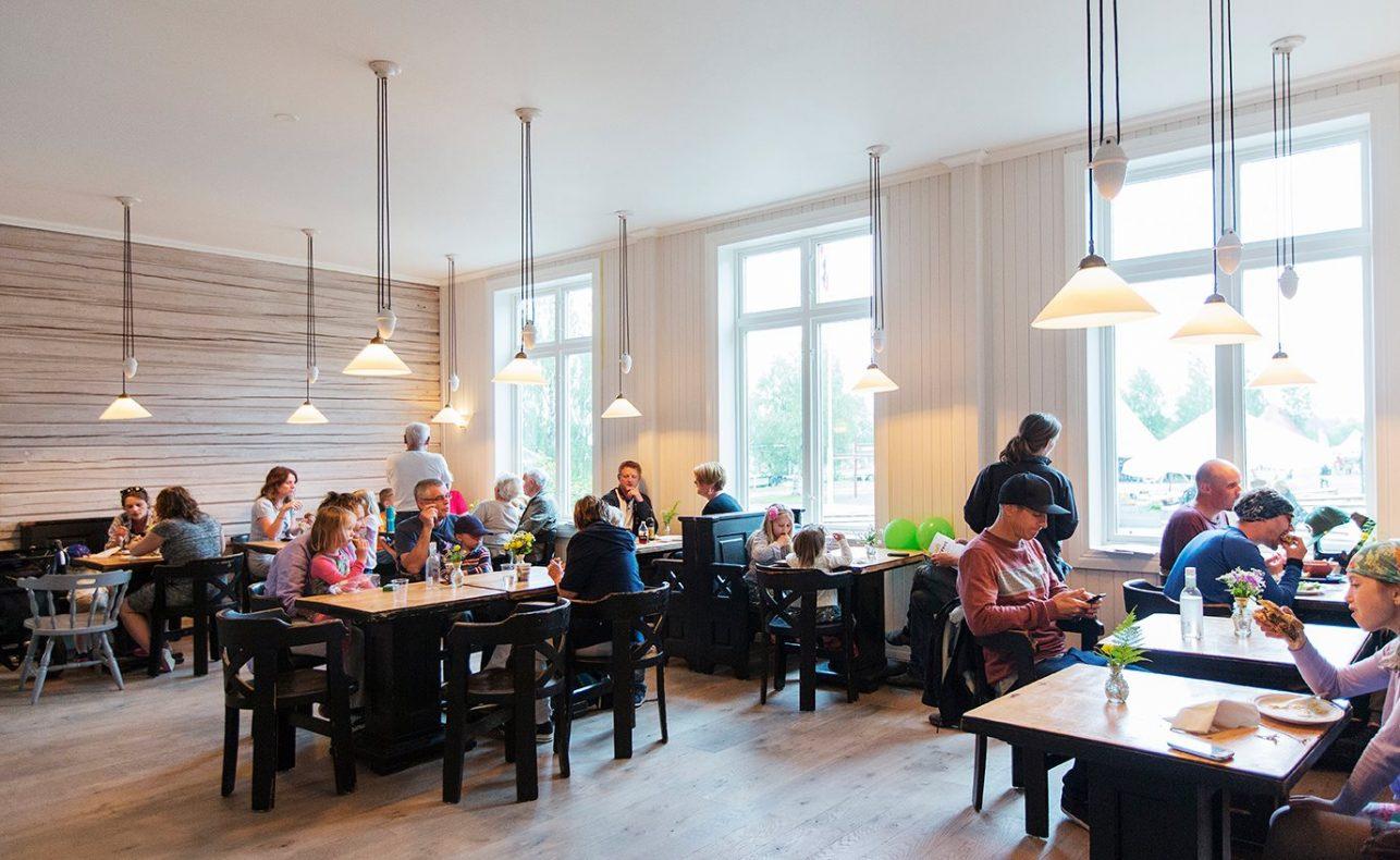 Kjøkkenhagen er et sosialt samlingssted i Hurdal, både for innbyggerne i økolandsbyen og alle andre som bor i bygda.
