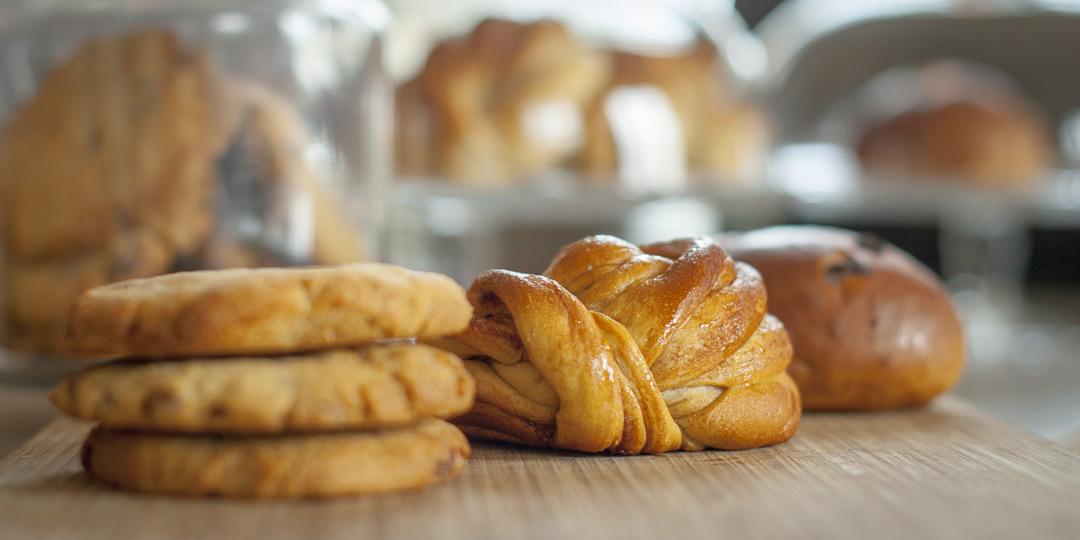 Cookies og boller står også på menyen i Kjøkkenhagen bakeri og kafe.