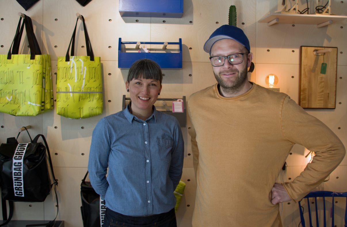 Samverket er et samarbeid mellom flere verksteder som driver arbeidstrening. Elise Roos Mangrud og Nils Olav Heggdalsvik konstaterer at et bakeri er den perfekte partneren for å lokke kundene.