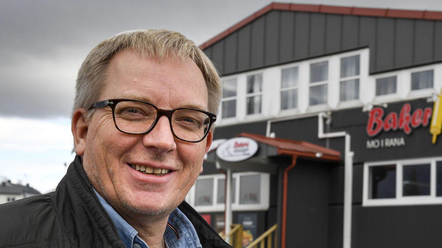 Jan Vikestad og Bakeriet Mo i Rana står igjen som eneste bakeri i Brønnøysund etter at to andre har gitt opp i det som betegnes som et tøft lokalt marked.