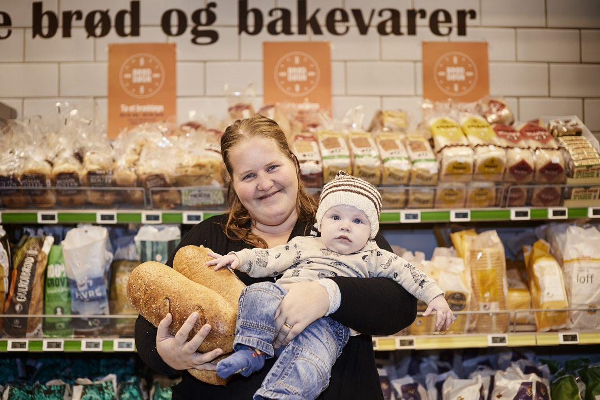 Tonje Røllander Ørsvik fra Kragerø vant 156 brød i quizen til Opplysningskontoret for brød og korn