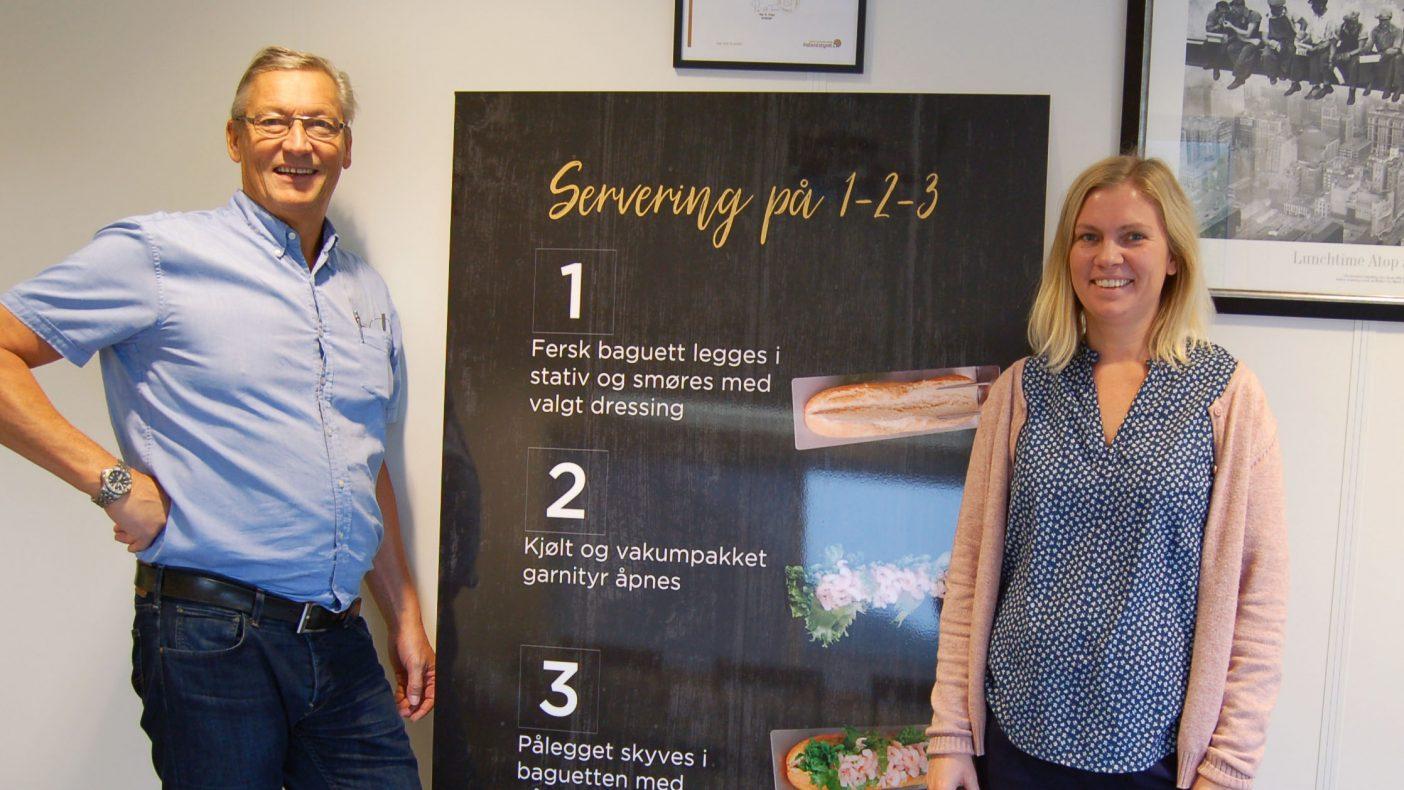 Kjell Helge Korsnes og Astri Eide i MP Storkjøkken tar med seg det nye «smøre-systemet» til Foodscape denne uka-