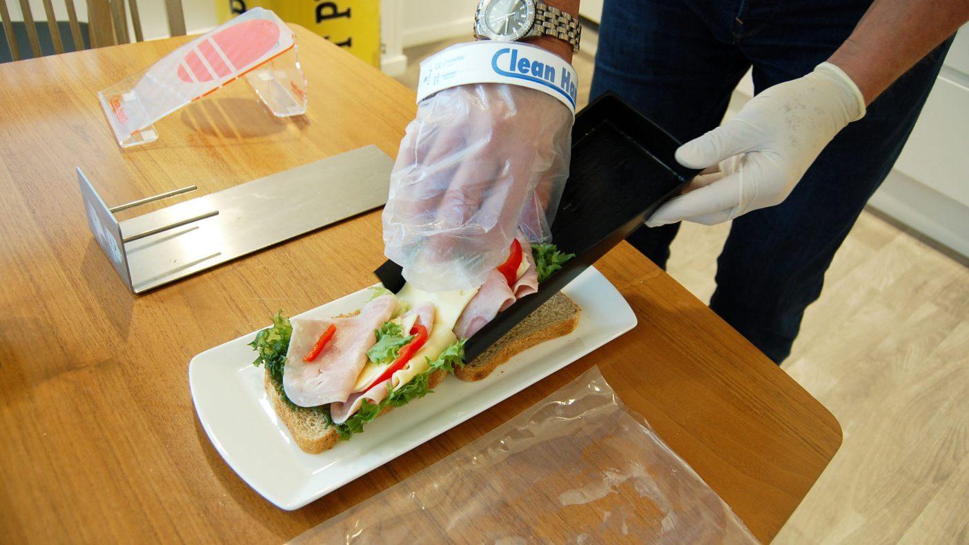 I løsningen er det også laget skåler som er tilpasset brødskiver.