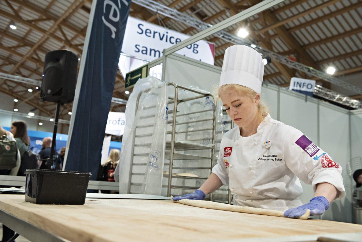 Cathrine Olsen (Fardal bakeri og konditori) er med i konkurransen. Hun er også rekrutt på Landslaget.