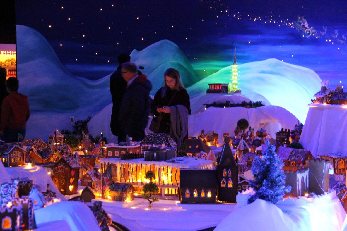 Grieghallen i årets pepperkakeby i Bergen er levert av Flying Cakery.