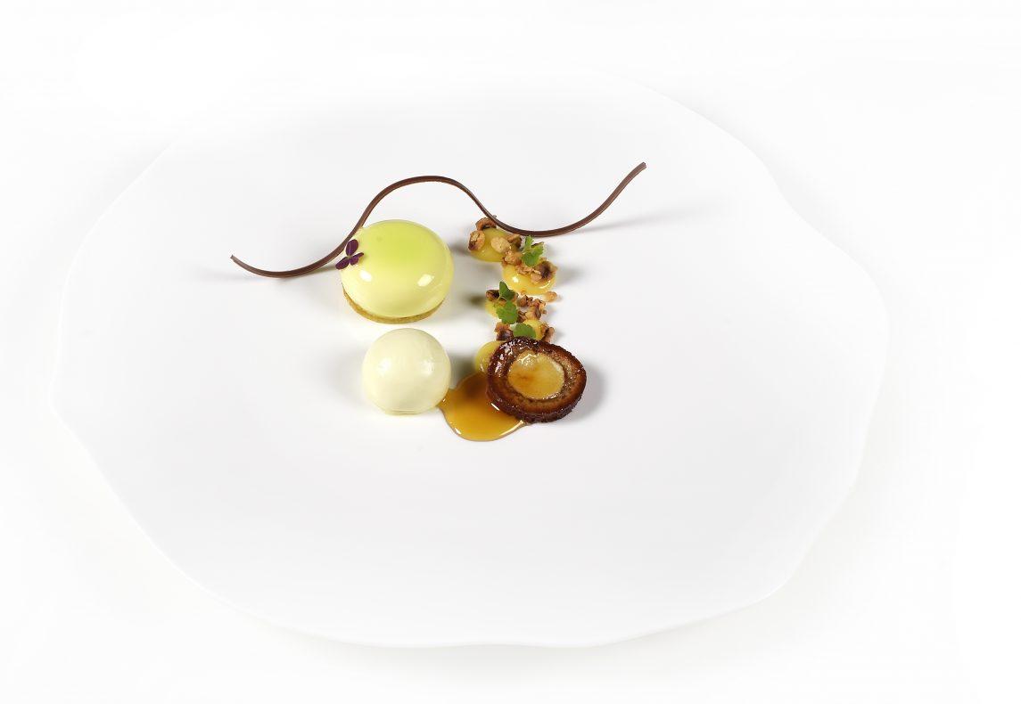 En av juniorlagets desserter inneholdt blant annet grønne epler, rømme og osten Nyr.