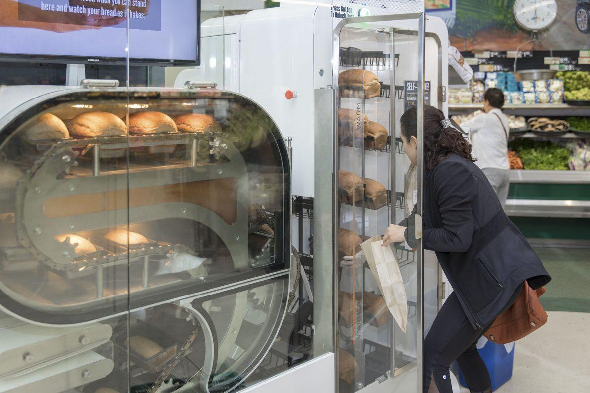 Wilkinson Baking Company tror «BreadBot» skal hjelpe å trekke kunder inn i butikkene, siden brødene skal være ferskere enn det som er tilgjengelig per i dag.