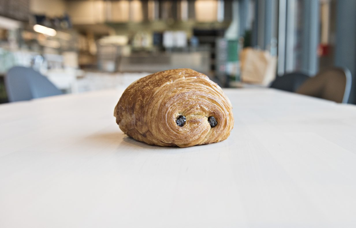 Pain au chocolat laget av Manuel Chovin, eier og driver av Boulangerie M på Ensjø i Olso.