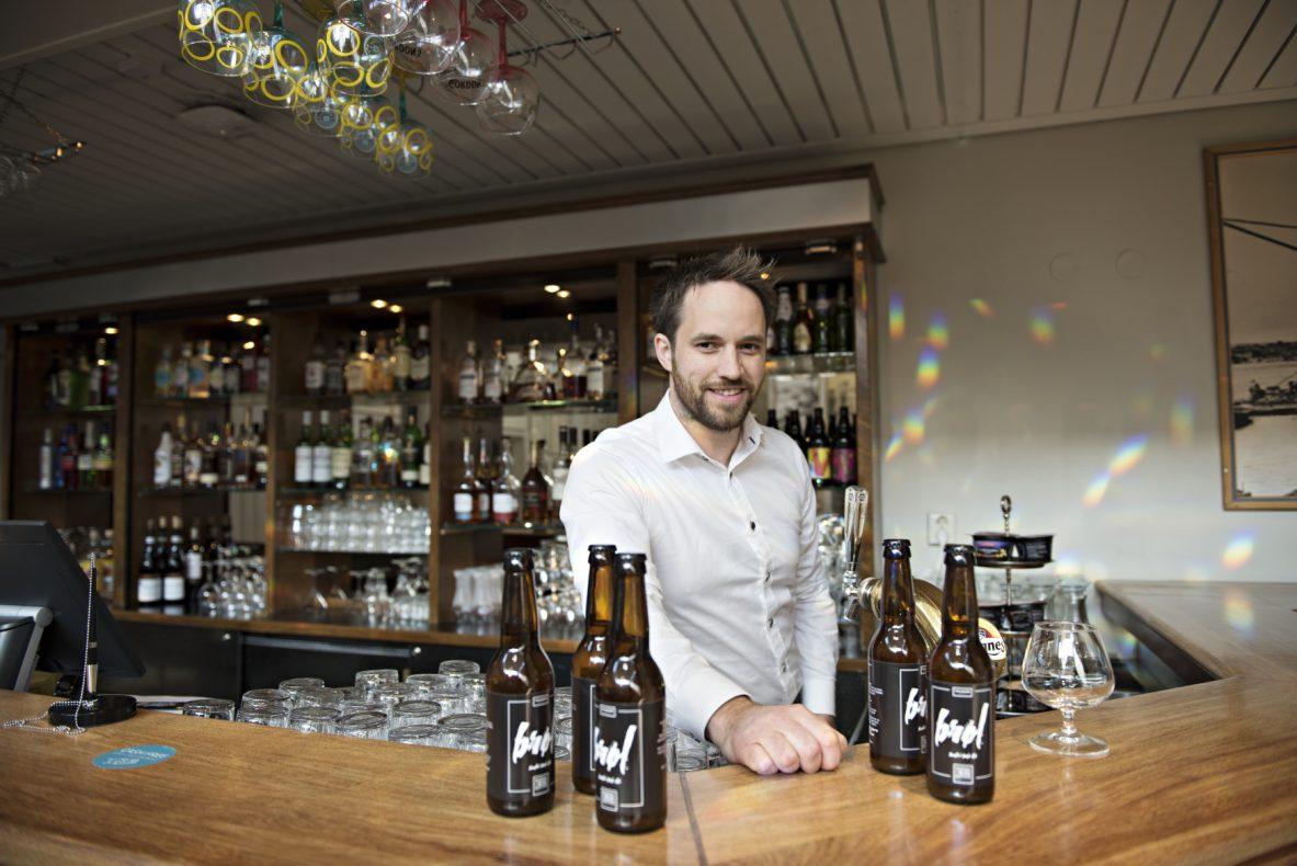 Øl brygget på overskuddsbrød er både innovativt og reduserer matsvinn. 1. juni holder Thomas Valand lanseringsfest for sitt nye øl på Tollboden Bakeri.