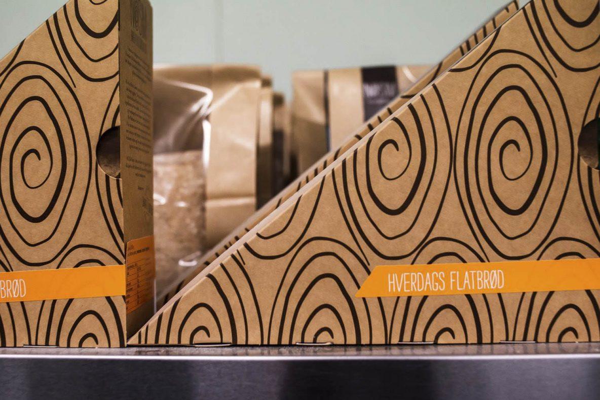 Flatbrødeskene er stilige og funksjonelle og Henny har også fått en designpris for dem.