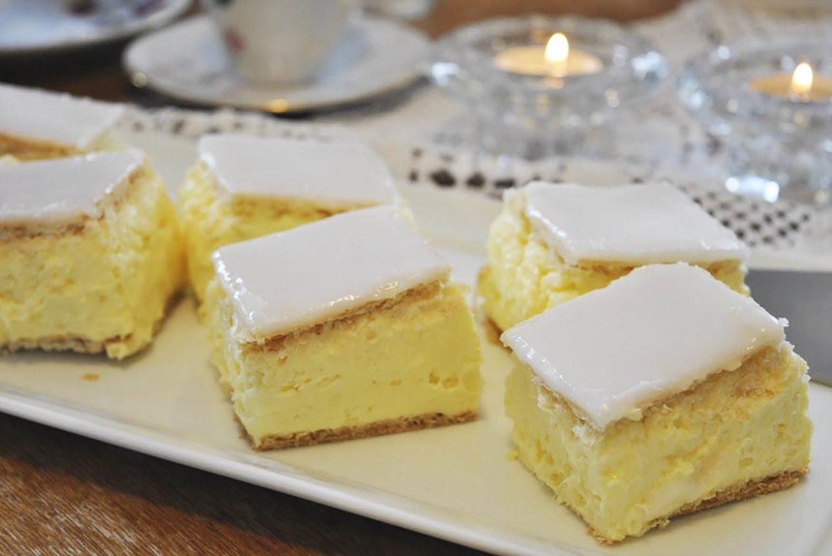 Napoleonskake er en av storselgerne i Gammelbua. Alle bakervarer produseres i bakeriet på Vinstra.