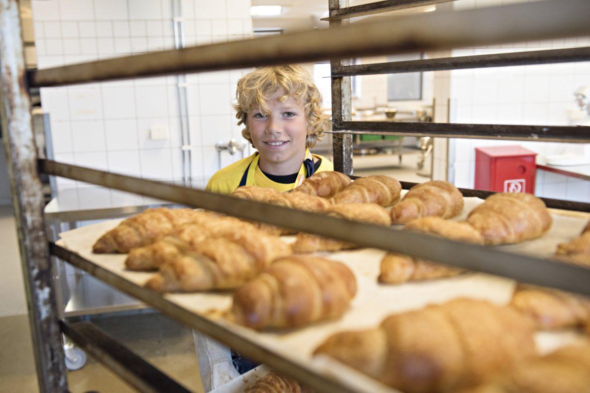 Tor Øystein (14 år fra Engebråten Skole) liker å bake, men tror ikke det skal bli hans fremtidige yrke.