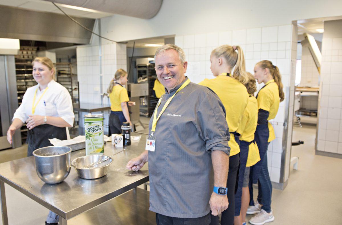 Håkon Augestad er faglærer på restaurant- og matfag på Etterstad vgs.