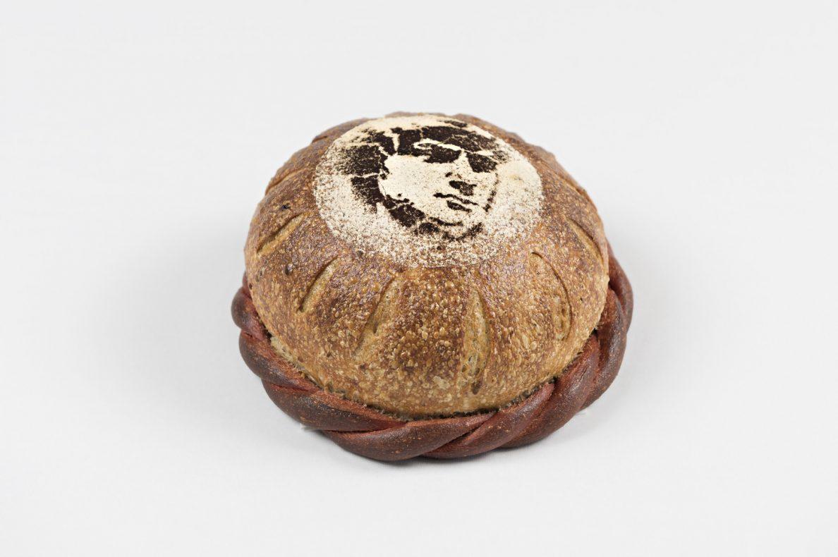 «Paint it spicy» – Norges brød med grønn pepper og hvit geitost.