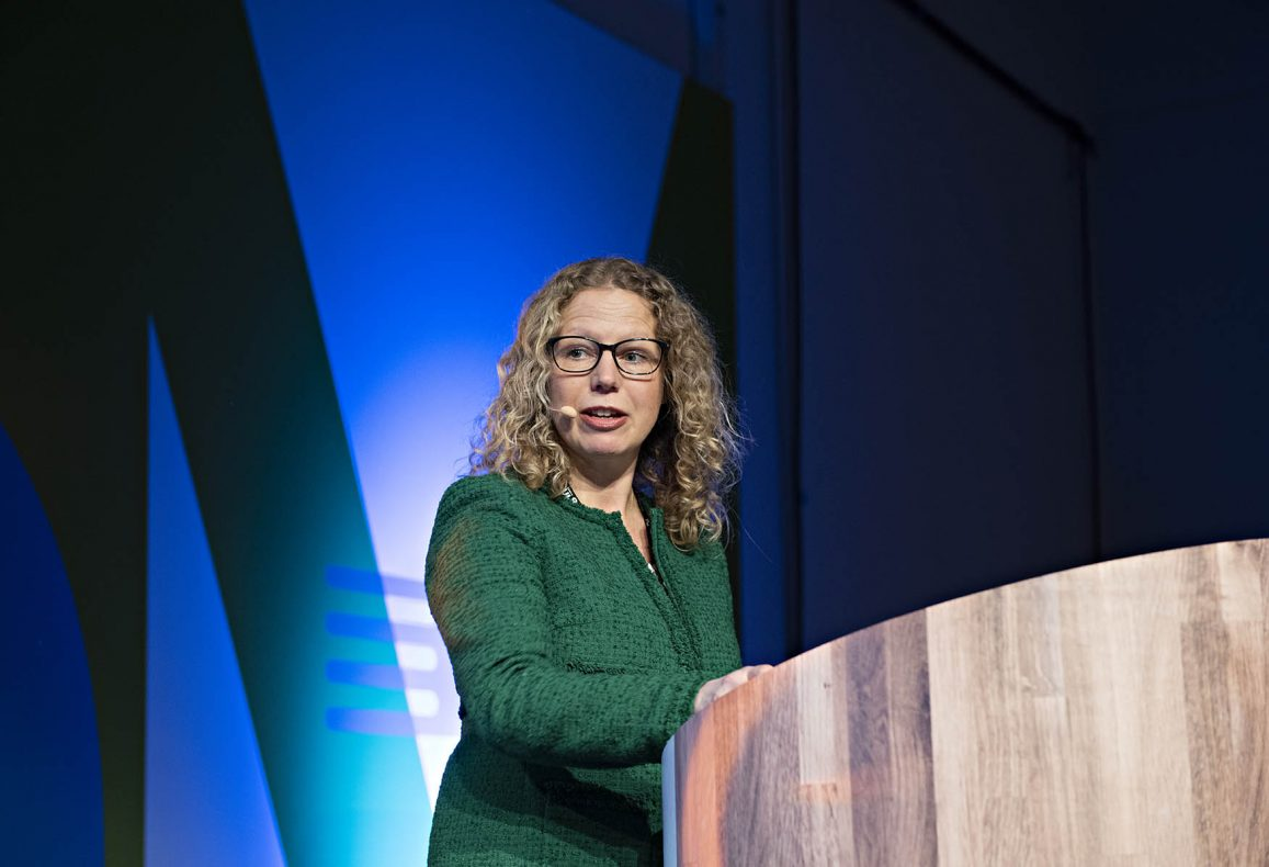 Linda Granlund, divisjonsdirektør folkehelse og forebygging i Helsedirektoratet, innledet #MerAv-seminaret.
