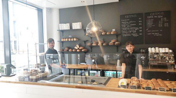 Åpnet nytt bakeri midt i koronakrisen