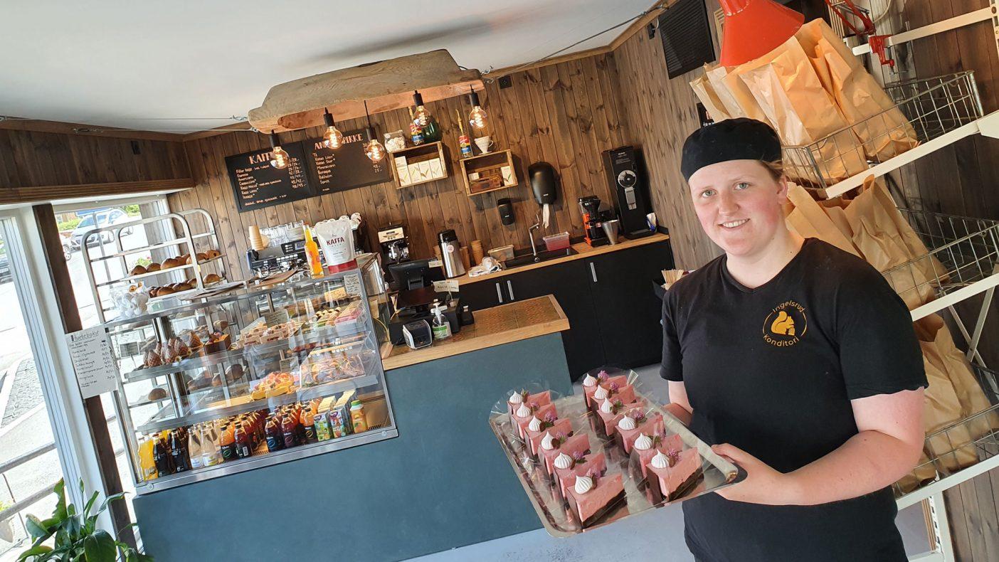 Martine Johnsrud jobber som konditorlærling ved populære Ingelsrud Konditori på Magnor. Nå er de i finalen i Årets Bakeri 2021.