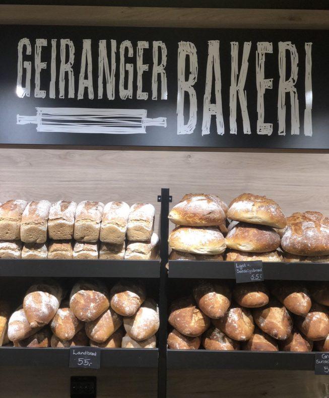 Det har vært en strabasiøs reise for Geiranger Bakeri som nå føler at de virkelig har funnet resepten. Nå står kundene i kø og de planlegger ekspansjon.