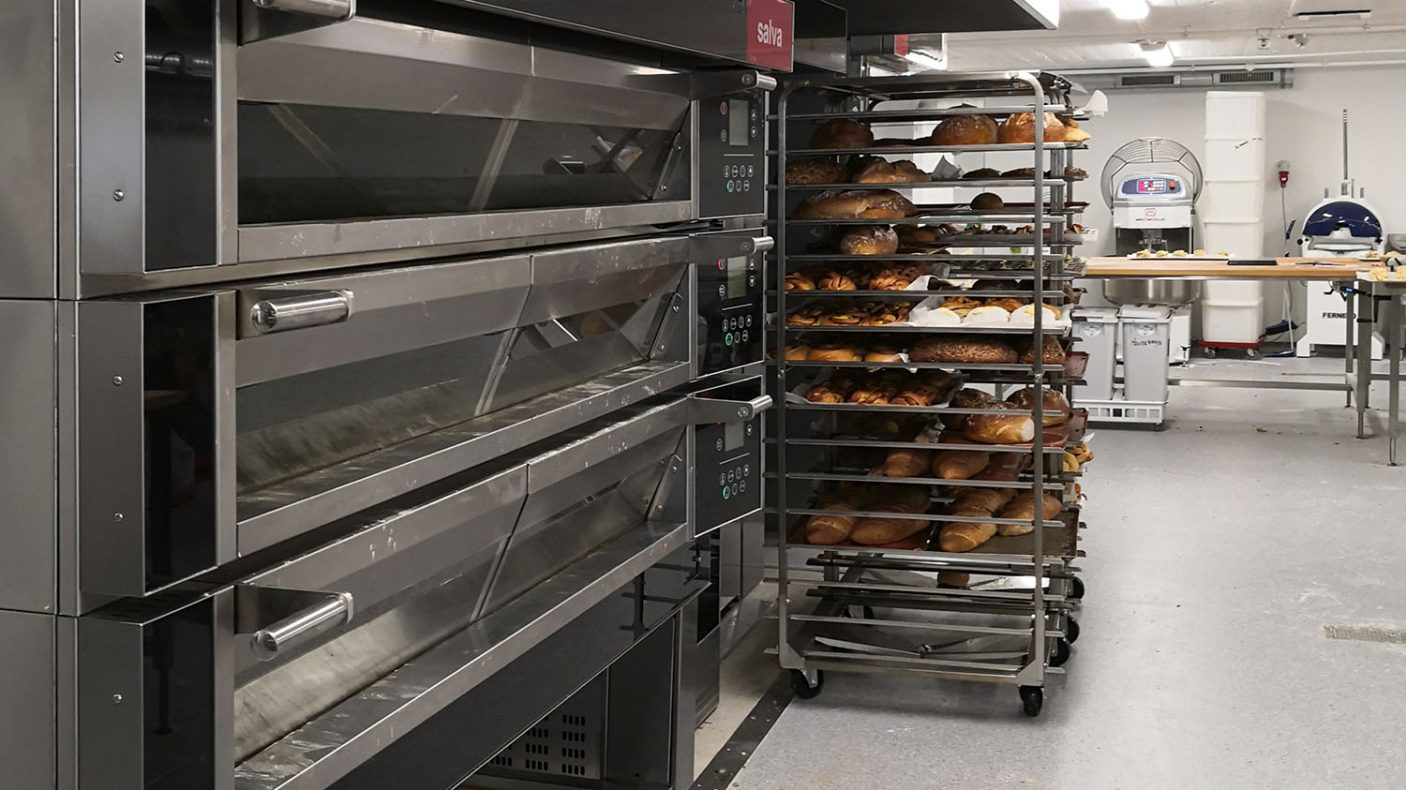 Geiranger Bakeri har kjøpt ovner fra Salva til begge de nye bakeriene, levert av MP Storkjøkken.