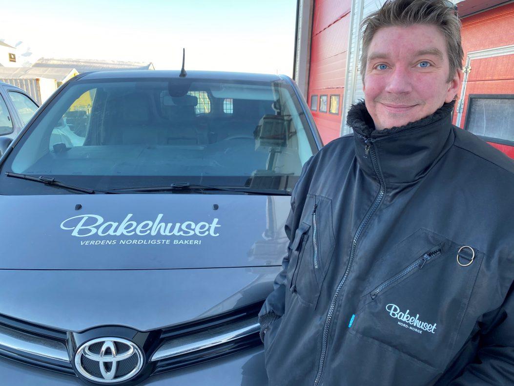 Petter Svendsby er avdelingsleder for bakeriet på Svalbard.