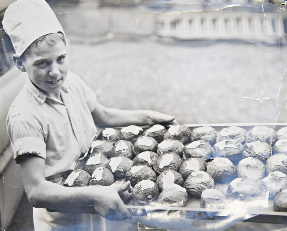 15 år gamle Svend Egon Petersen som læregutt i 1961.