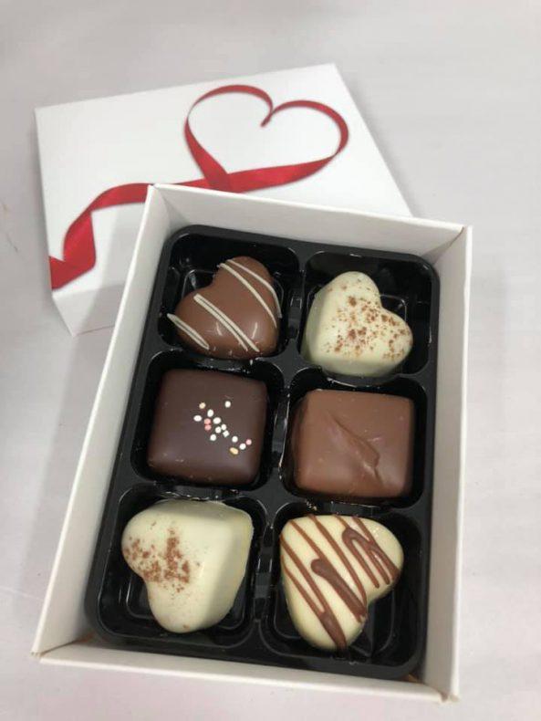 Arendal Konfekt & Sjokolade prøver stadig nye biter.