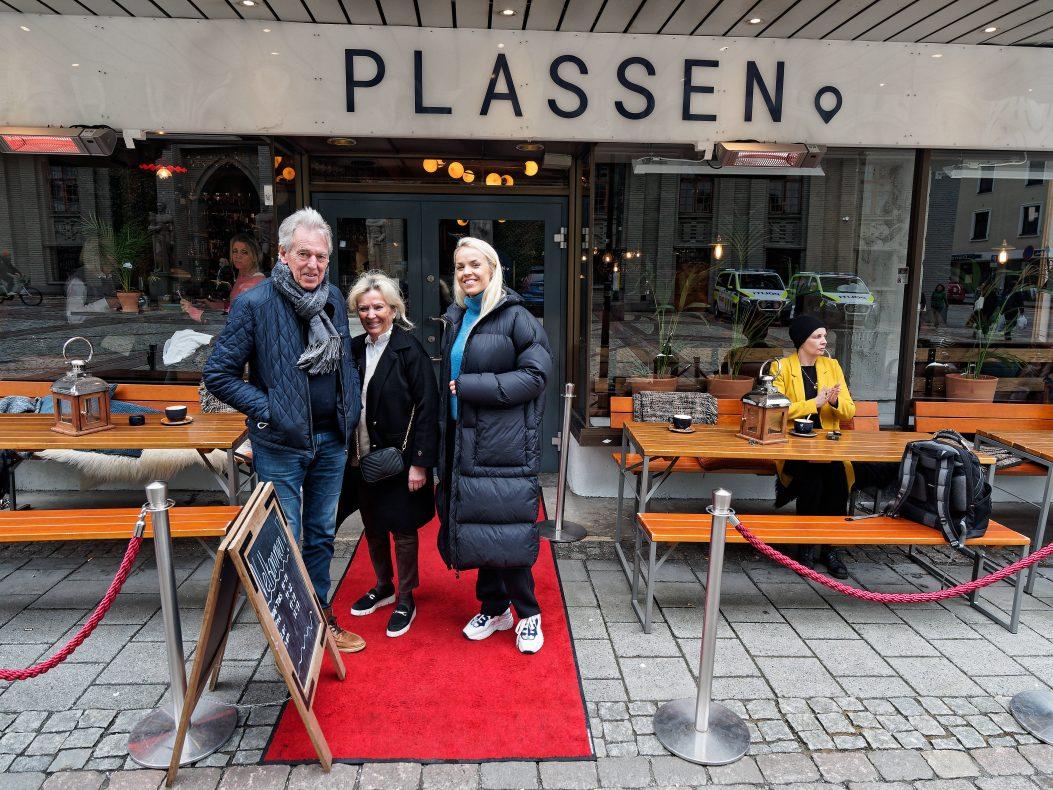 I løpet av et amputert år er Plassen blitt så populær at flere huseiere har tatt kontakt for å få inn konseptet, forteller Bernt, Kari og Anne-Sofie Lie-Nielsen.