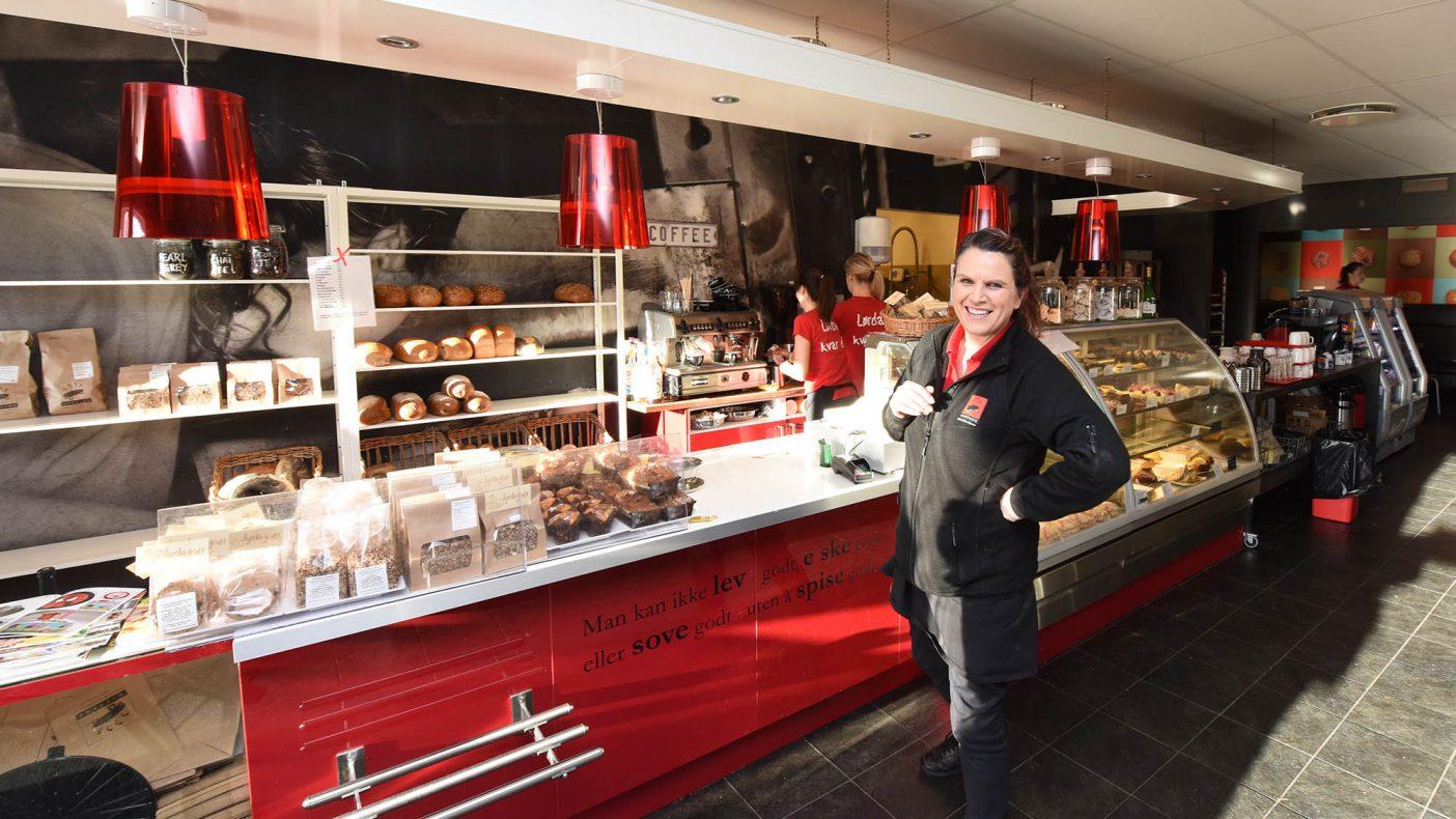 Gunvor Fiskå i Ryfylke Bakeri og Konditori AS er glad finalist i Årets Bakeri 2021.