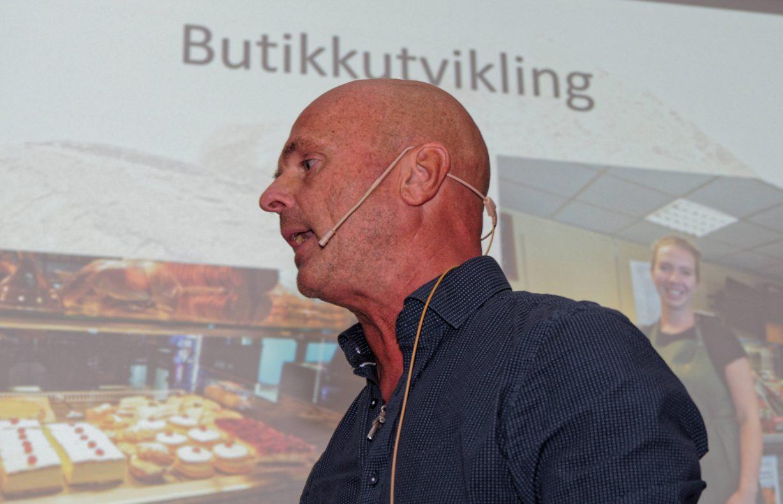 Butikkutvikling er et fag, ikke et venstrehåndsarbeid, erklærte en engasjert Trond Aam på Din Baker-samling.